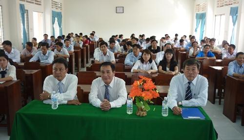 Cái Bè bế giảng lớp bồi dưỡng lý luận chính trị cho đảng viên mới
