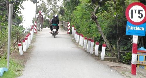 Cầu Cẩm Sơn thông xe trở lại