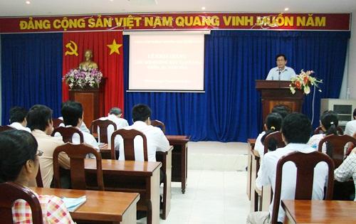 Khai giảng lớp học