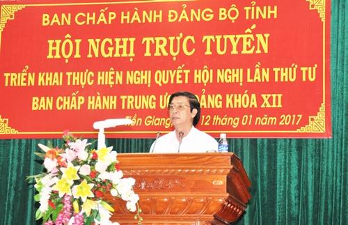 Đồng chí Nguyễn Văn Danh, Ủy viên BCH Trung ương Đảng, Bí thư Tỉnh ủy, Chủ tịch HĐND tỉnh phát biểu bế mạc hội nghị