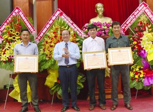 Nhóm PV Đài Phát thanh và Truyền hình Tiền Giang nhận giải báo chí đặc biệt