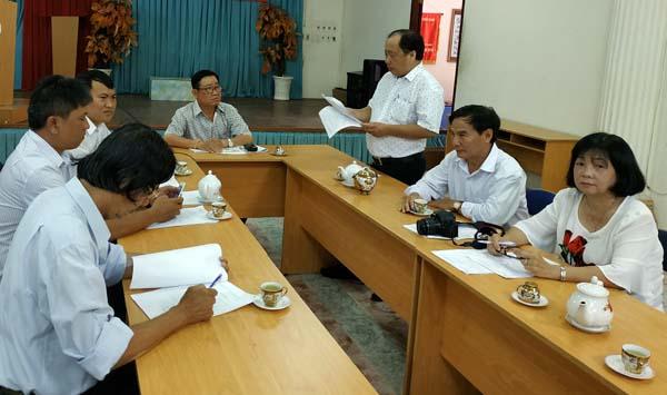 Thành viên Ban họp bàn kế hoạch hoạt động
